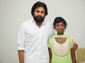 Pawan Kalyan meets Srija n family-thumbnail-1