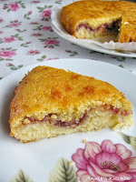 coconut and raspberry slice