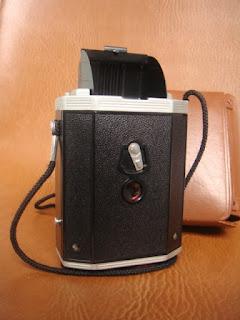 Vài em máy ảnh cổ độc cho anh em sưu tầm Yashica,Polaroid,AGFA,Canon đủ thể loại!!! - 3