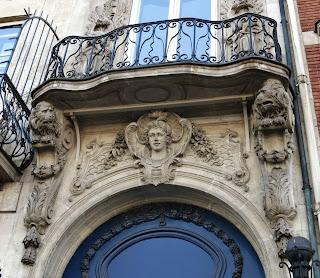 Balcon du 13 quai Voltaire à Paris
