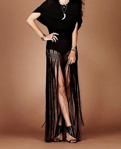 do site http://tags.com/products/crochet-fringe-skirt-in-black?ref