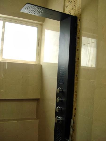 Regadera De Baño Cuadrada: Minimalista y Contemporánea: Regadera moderna en baño minimalista