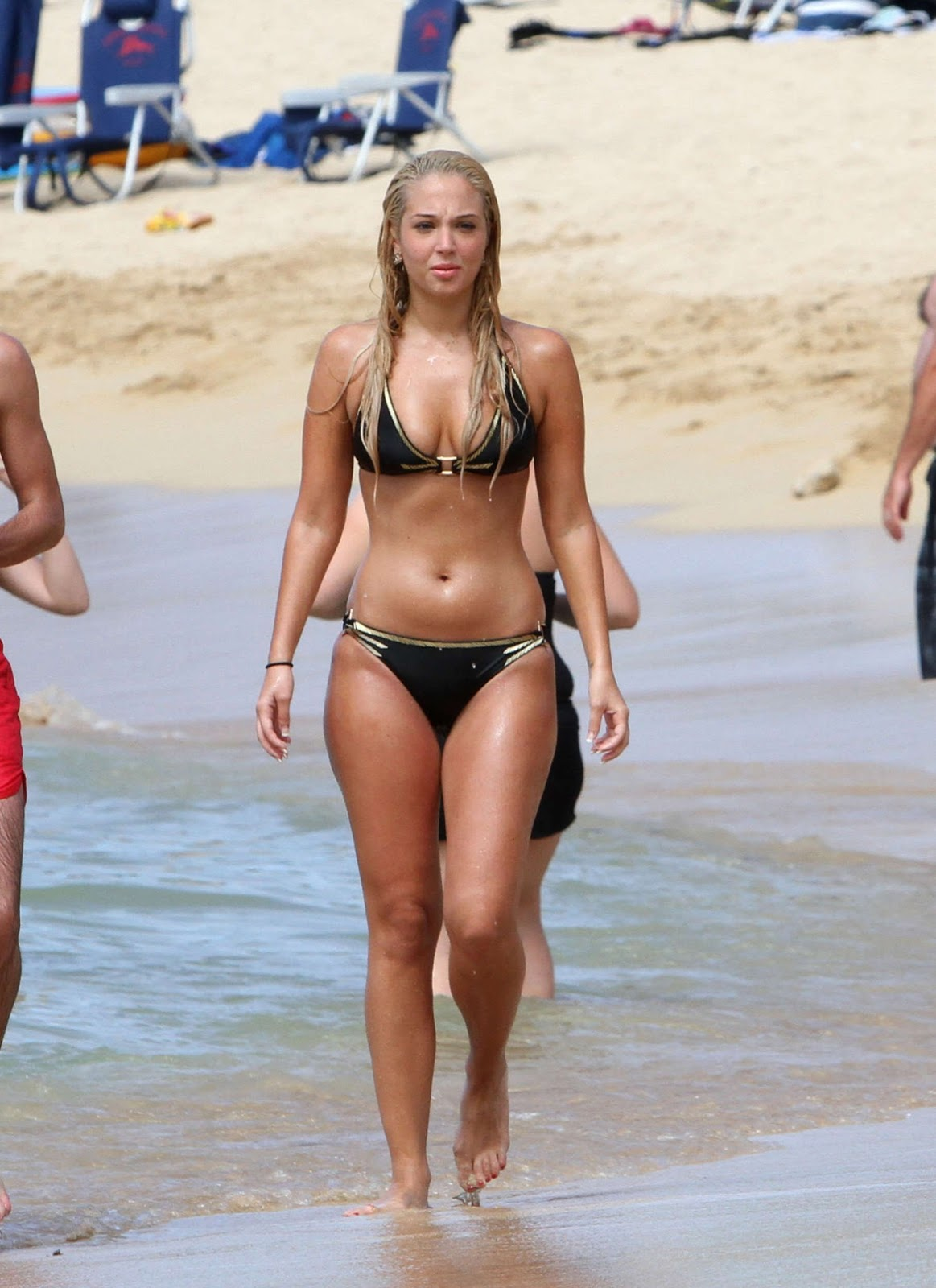 http://1.bp.blogspot.com/-1gYe6ZKH-RM/URDo3HIMM7I/AAAAAAABVmA/Ng2qynGgXCU/s1600/tulisa-contostavlos-in-black-bikini-on-honolulu-beach-in-hawaii-20.jpg