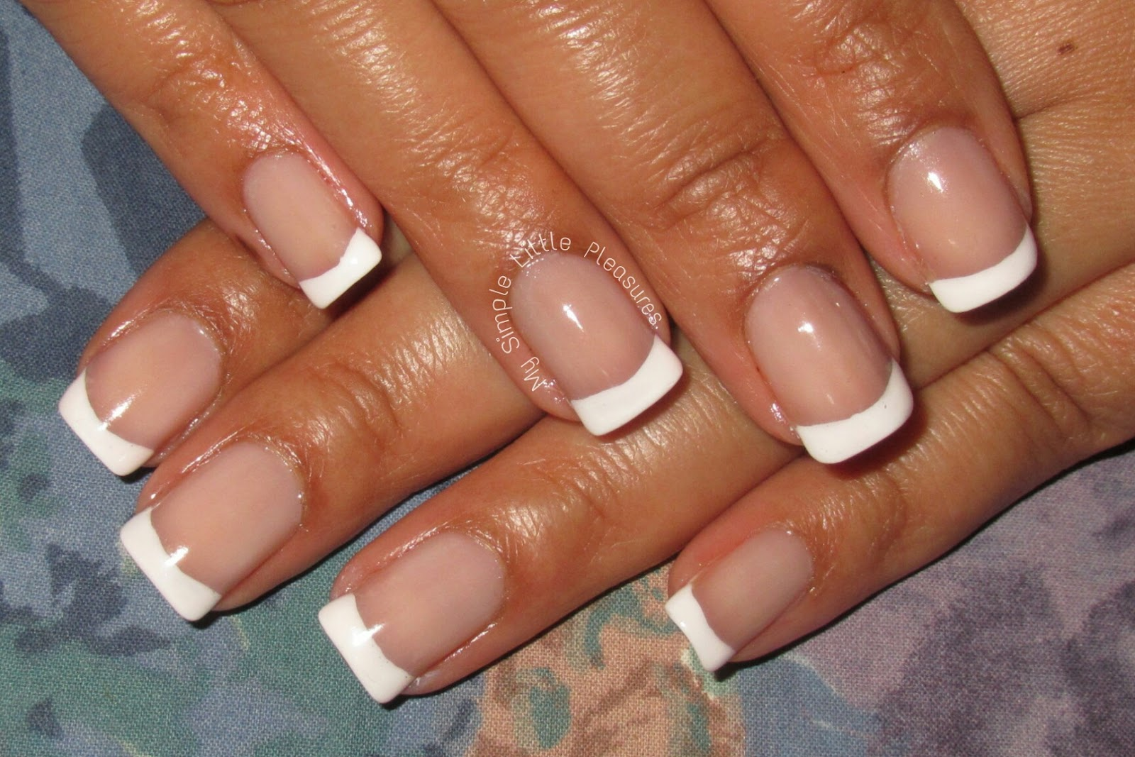 My Simple Little Pleasures: NOTD: Basic French Manicure + Tutorial