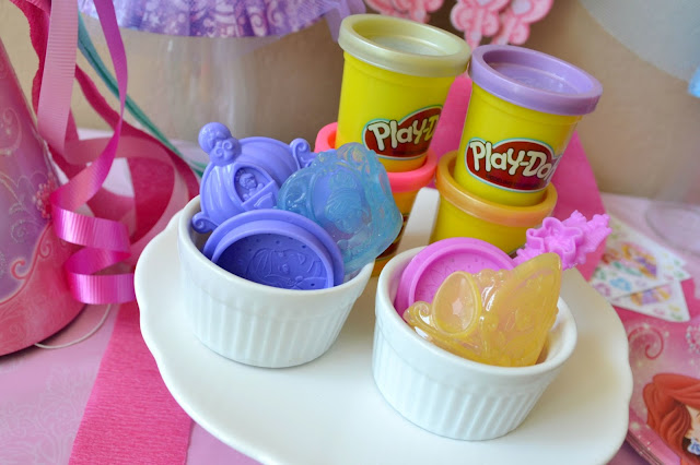 Mommy Testers Disney Princess #DreamParty Play Doh bar