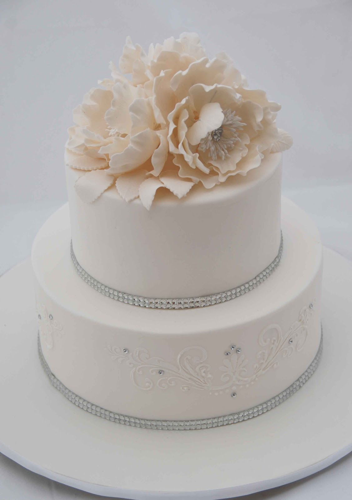 Little Robin White Wedding Cake With A Dash Of Bling