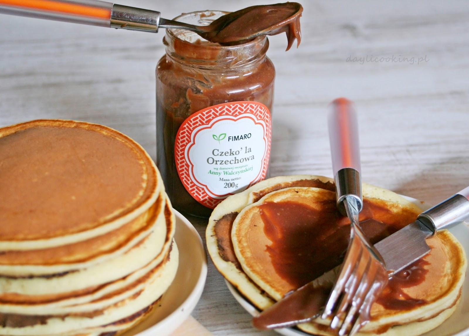 Delikatne waniliowe pancakes z orzechową czekolą