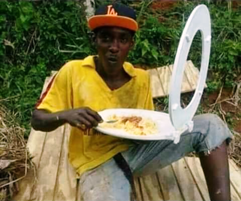 Disgusting: Man Eating With Toilet Seat