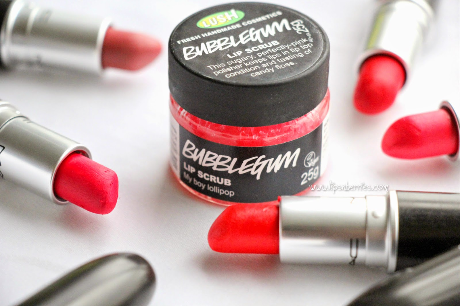 Lush bubblegum lip scrub review