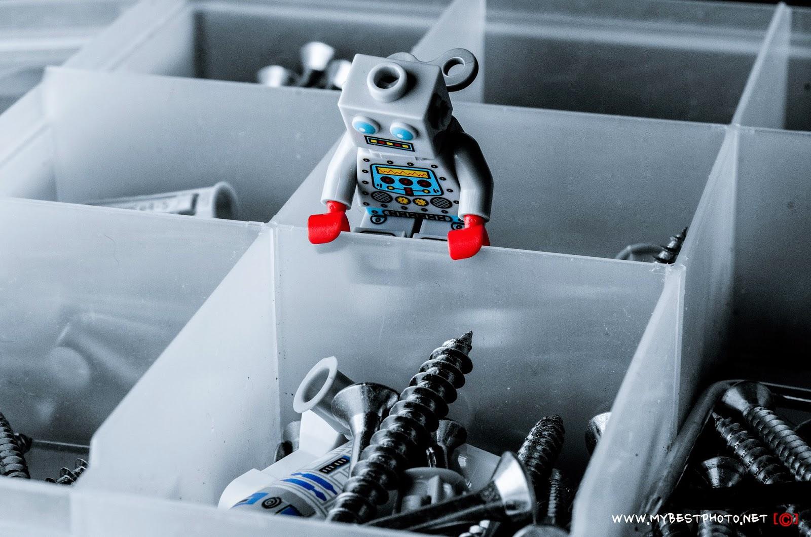 Lego Minifigure Series 6 Clockwork Robot - Wallpaper