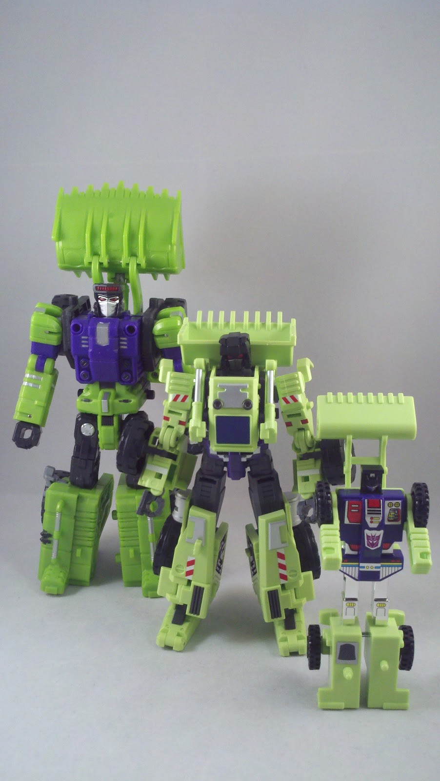 Transformers New Zealand Forums View Topic Third Party Giant Type 61 By Maketoys As Devastator Tfc Definitely Is A Sweet Option The Individual Constructicons Look Rather Crap Compared To Though Imo