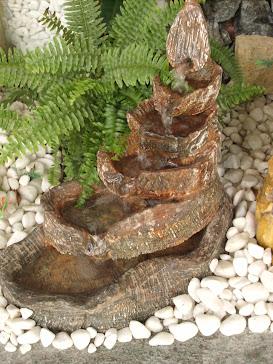 45.....ref : 0145 cascata peq , imita pedra sabão