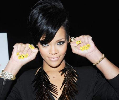 Nail Art Smile Nail Design From Artists Rihanna