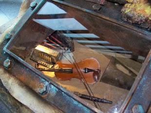 Violín encontrado en los restos del Titanic