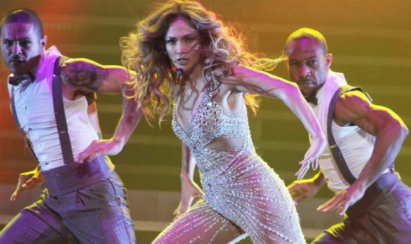 http://www.entertainmentwise.com/news/96983/Jennifer-Lopez-Making-Diva-Dressing-Room-Demands