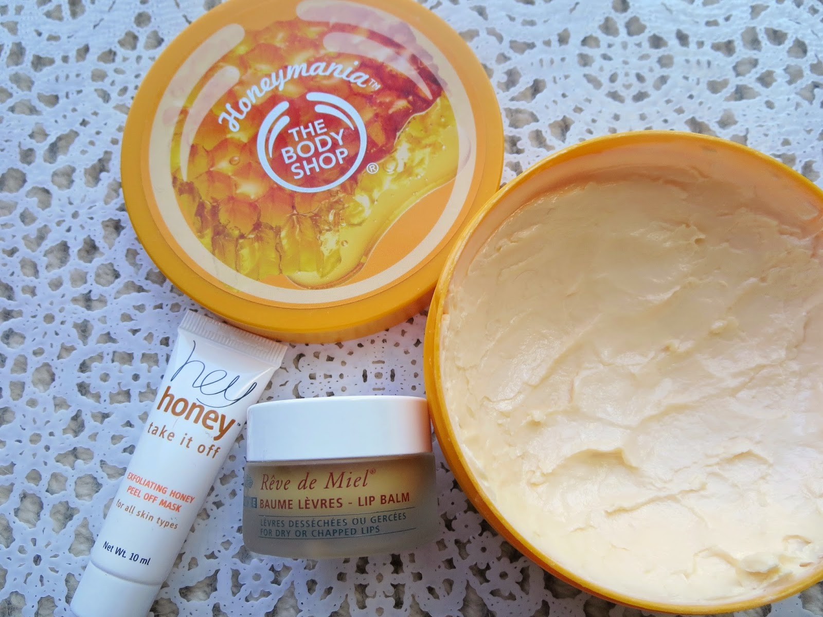 a picture of Honey skincare : Hey honey take it off, Reve de Miel, Honeymania