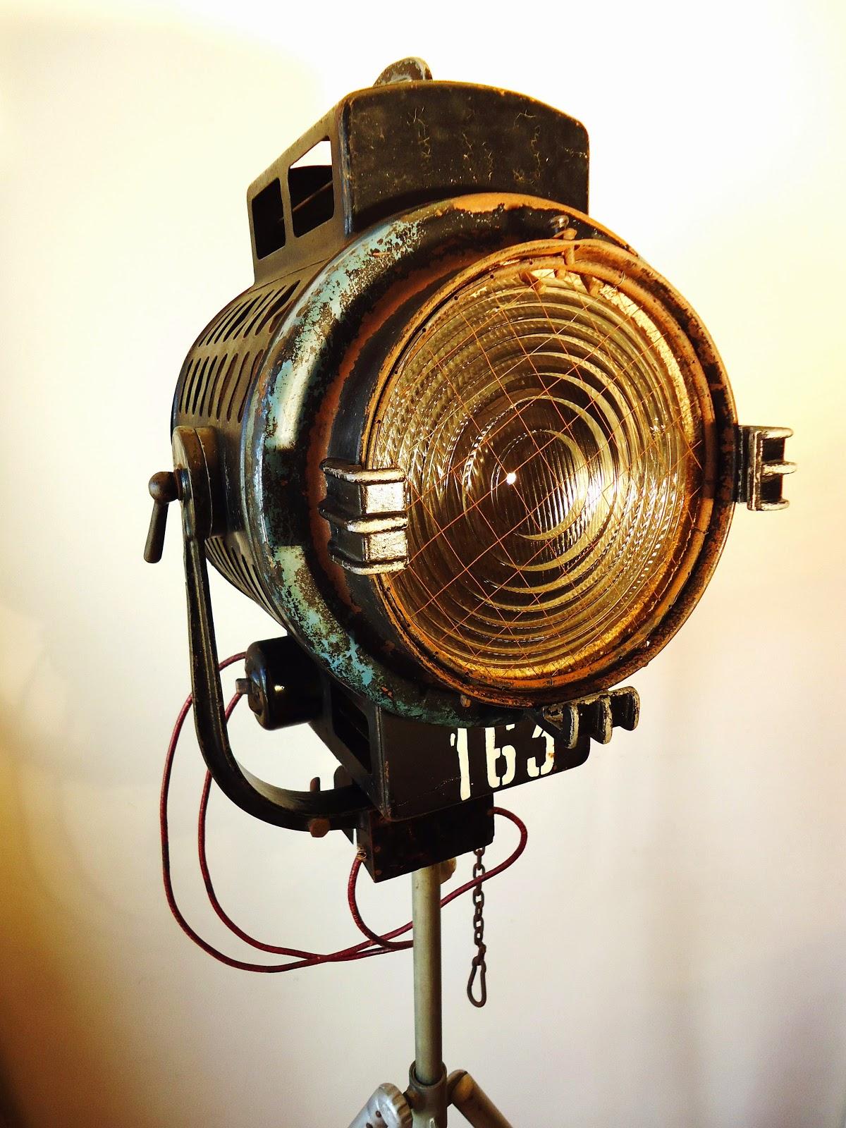 Foco fresnel de cine y teatro a os 40 3000 watios vendido - Lampara foco cine ...