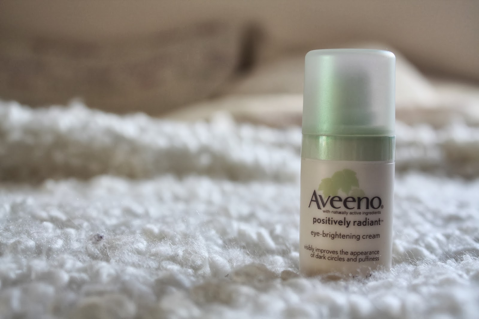 Aveeno Positively Radiant Eye Brightening Cream