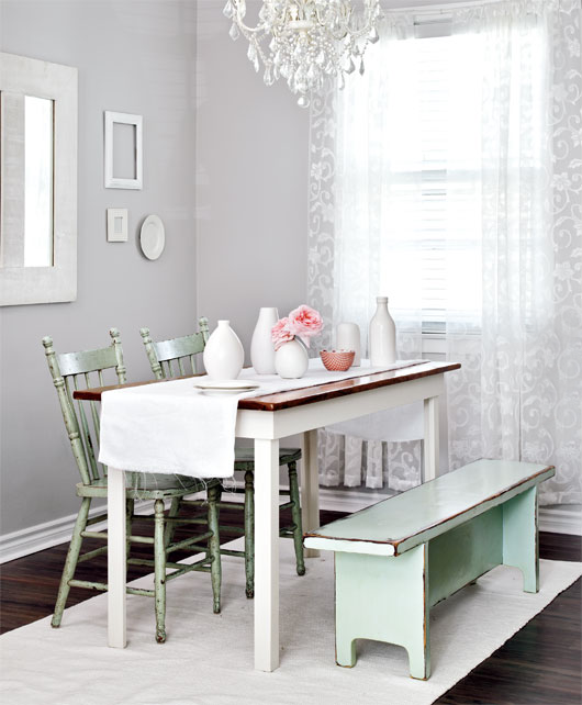 Elegant girly apartment e for Beautiful dining area