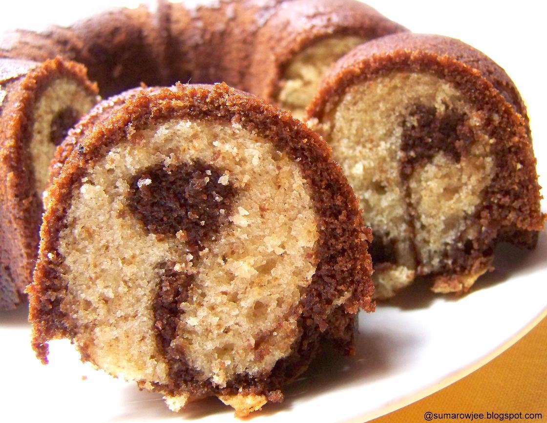 Bundt Cake Unmolding