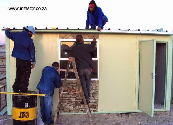 Construcción de casa económica con materiales aislados prefabricados en Sudáfrica