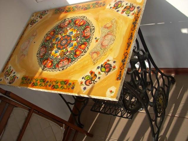 7 najciekawszych stołów decoupage - inspiracje! Motyw ludowy folk decoupage.