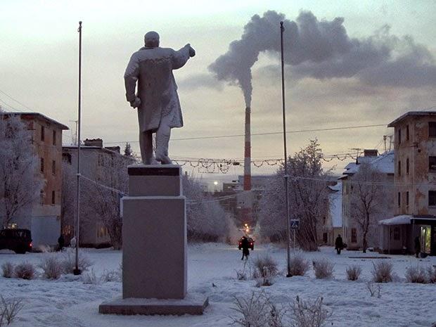 Автопробег в Карелии, посвященный Дню Победы, застрял в непролазной грязи российских  дорог - Цензор.НЕТ 7299