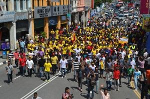 http://1.bp.blogspot.com/-1jSLSPeLI_8/T6qPuIJYrCI/AAAAAAAADE8/y0WAc_UM2SU/s400/Perkasa-Anak-Mamak-protest-Penang-03-300x199.jpg