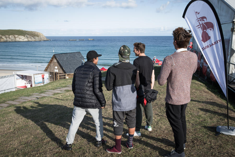 51 Waiting for the call Pantin Classic Galicia Pro 2015 Foto WSL
