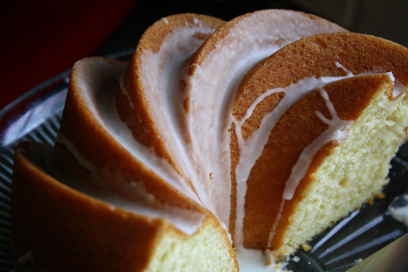 Jane's sweets & baking journal: vanilla velvet bundt cake with ...