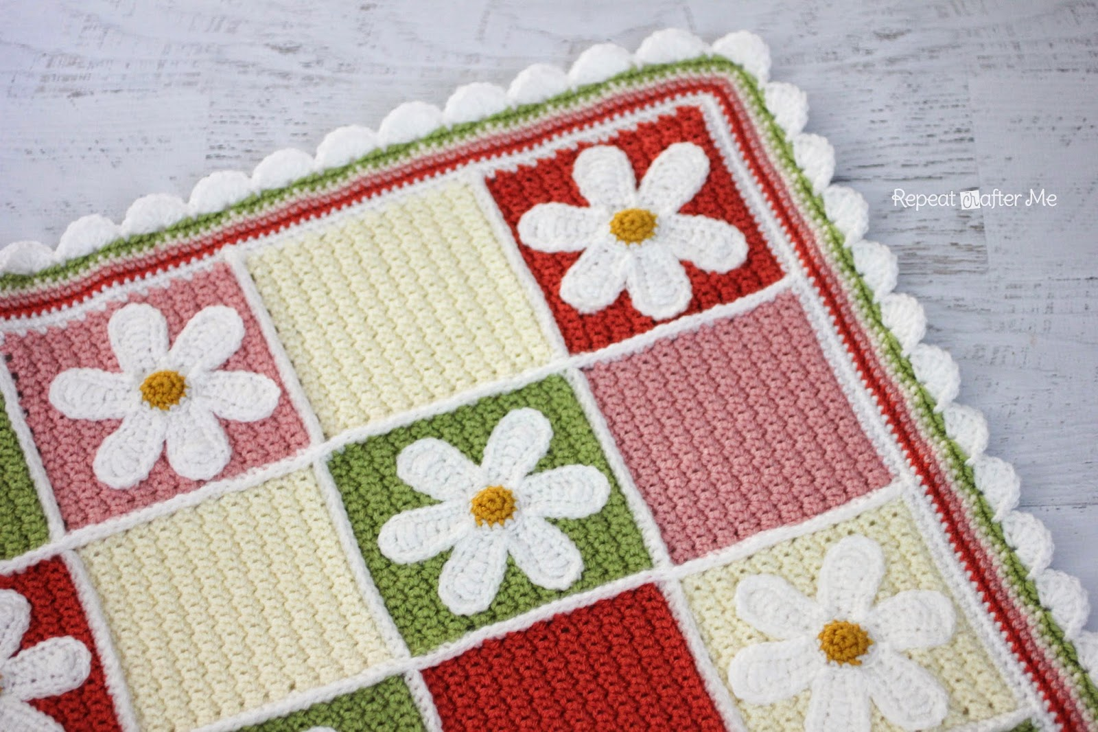 Free Crochet Pattern For Daisy Blanket : Crochet Daisy Afghan - Repeat Crafter Me