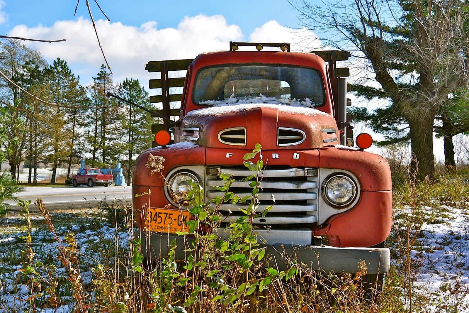 48 Or 49 Ford F5 Tom The Backroads Traveller 1948 Grain Truck At First Glance It Appears To Be A Who Knows Do You Three Year Models Appeared Almost Identical However There Are Small Differences In
