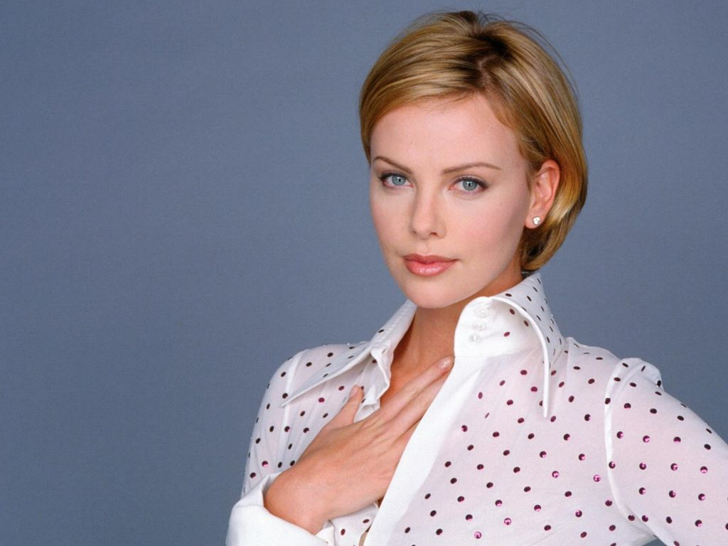 Charlize Theron Hot Pictures Photo Gallery Amp Wallpapers