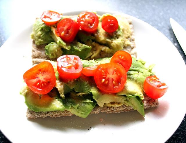 Oppskrift Vegan Lunch Lunsj Enkel Avokado Tomat Knekkebrød