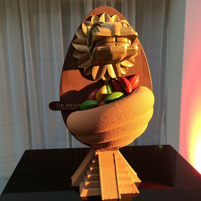2016 Oeuf de Pâques by Ken Thomas, The Westin Paris-Vendôme