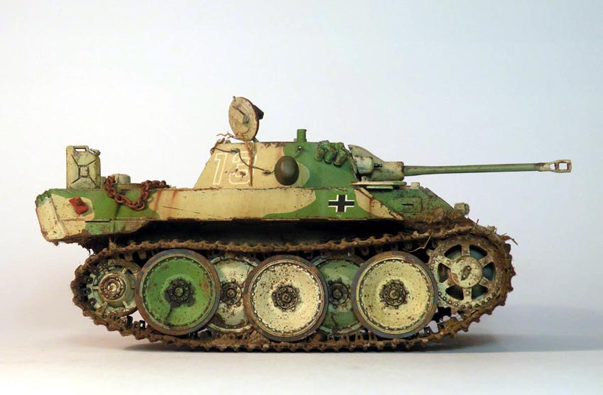 HobbyBoss 1/35 - VK1602 'Leopard'