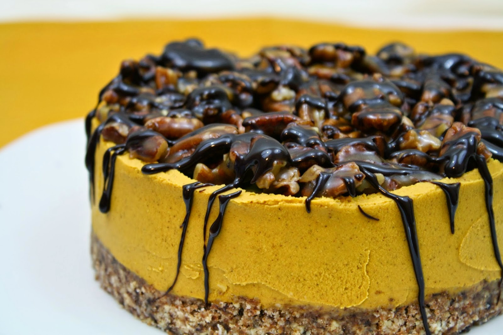 Pumpkin Cheesecake With Caramel Pecans