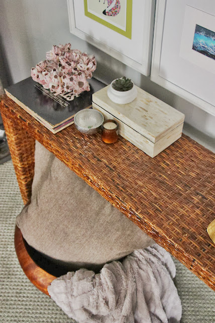 """wicker console table"""