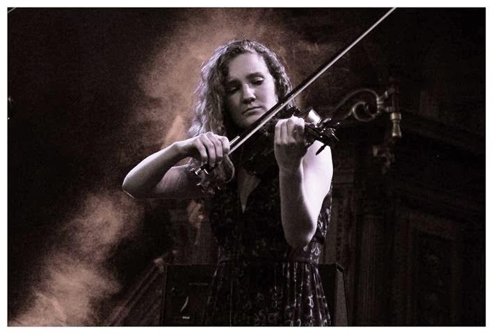 """""""Eu queria que o violino fizesse sentido no Rock"""""""