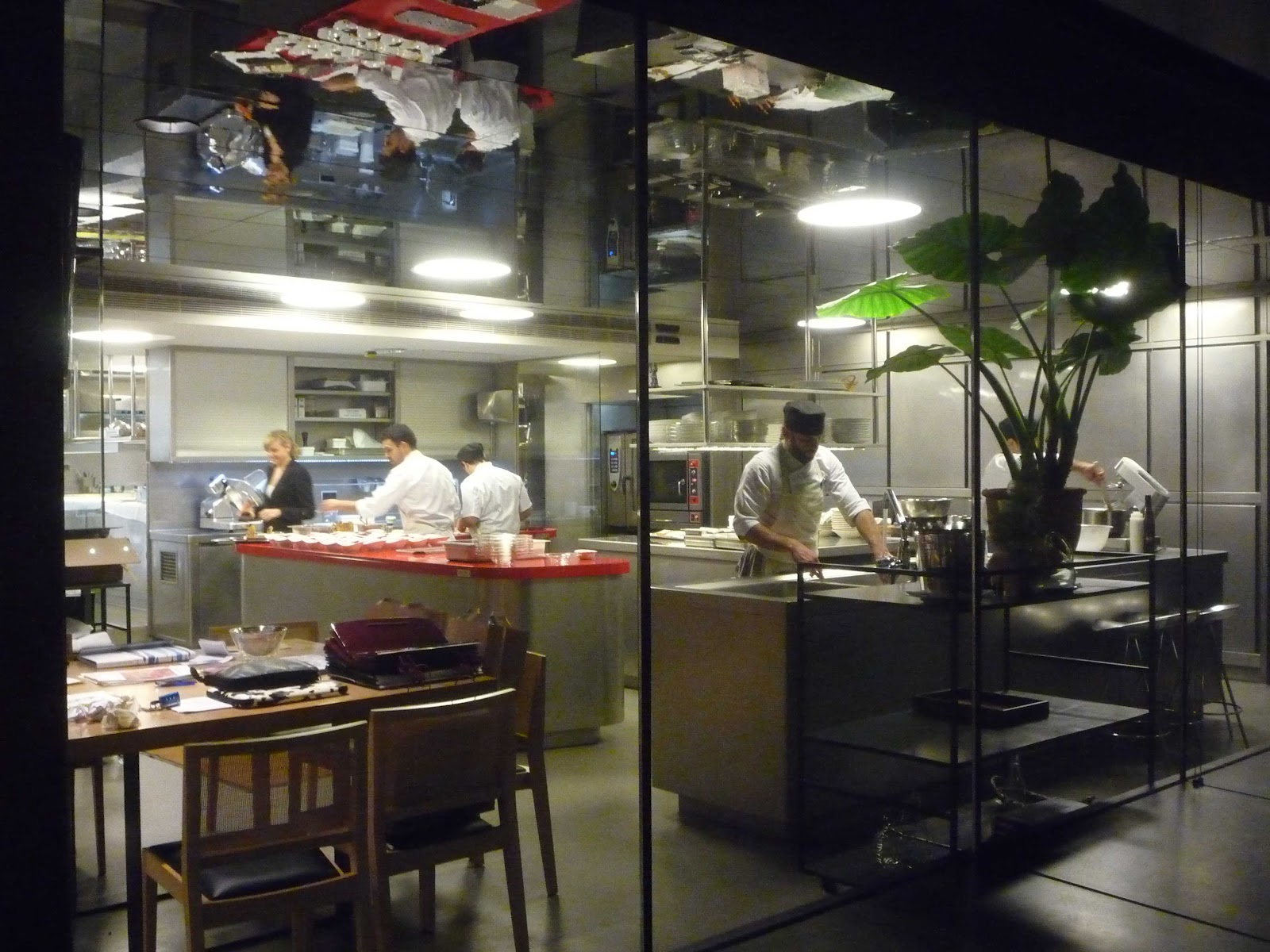 Mis restaurantes can jubany for Cocina de restaurante