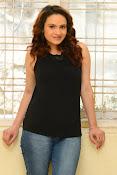 Reena Bhatia glamorous photos-thumbnail-6