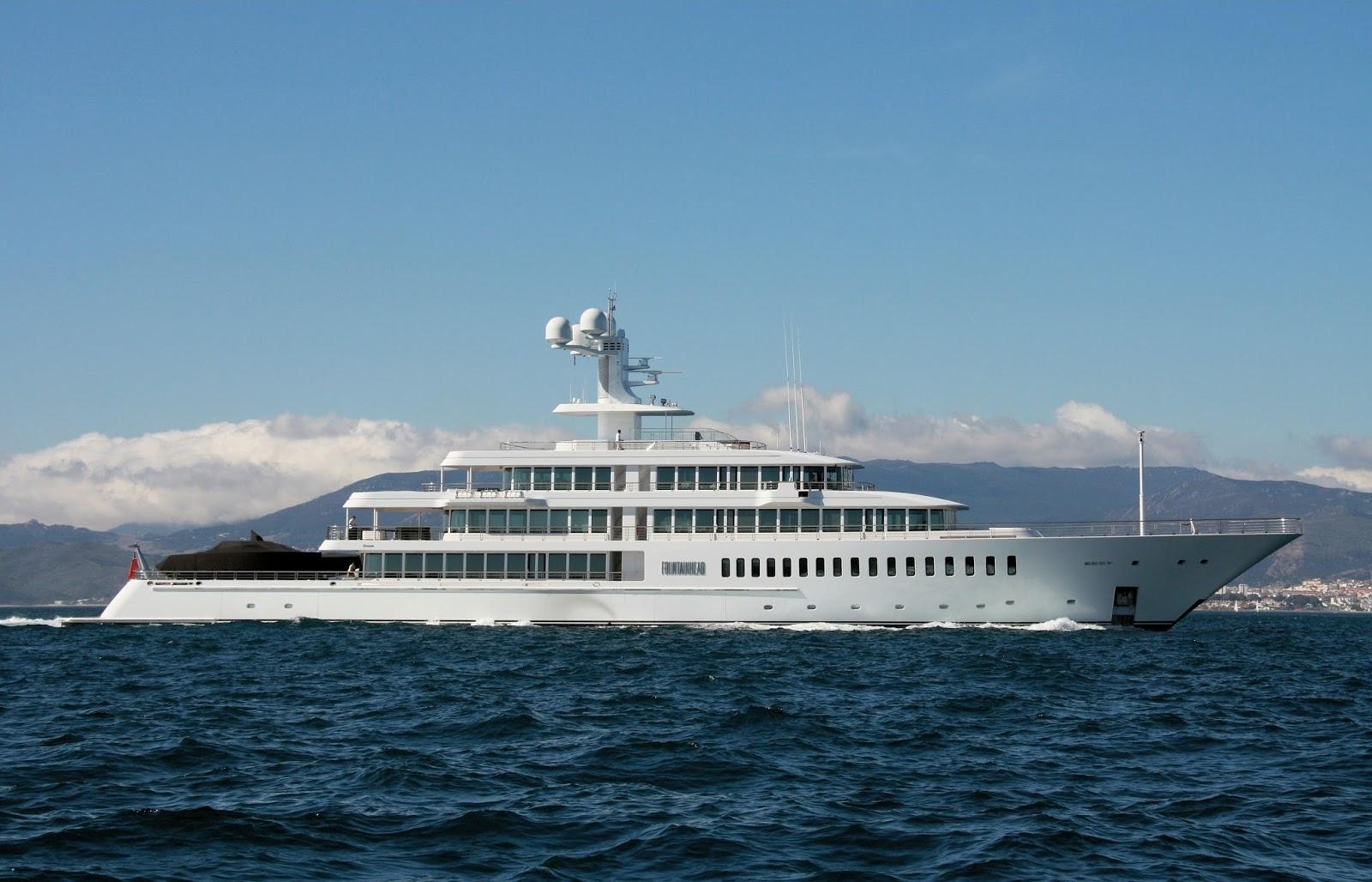 Megayacht FOUNTAINHEAD Starboard