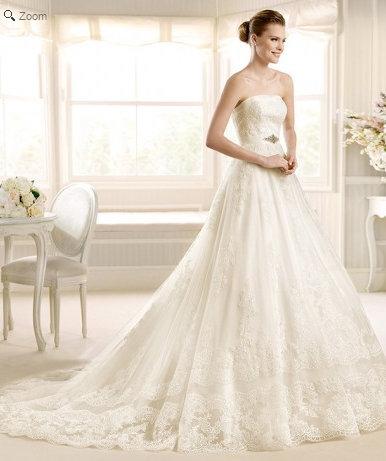 LandyBridal's vintage lace wedding dresses