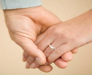 Tips supaya rumah tangga bahagia : Istri harus menjauhi 8 sifat yang tidak disukai suami