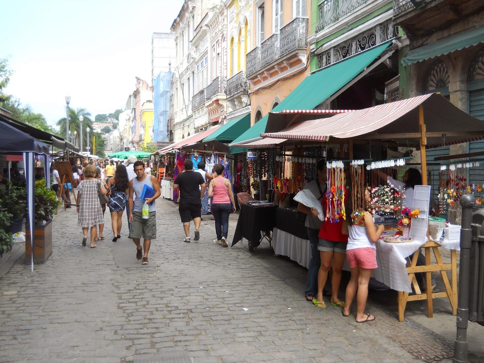 Feira de antiguidades do Lavradio, no Centro do Rio