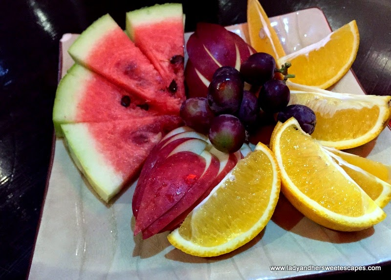 fruit platter in Asian Flavors Dubai