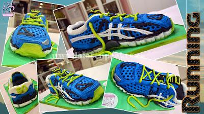 Tarta de fondant modelado personalizado zapatillas asics Laia's Cupcakes Puerto Sagunto