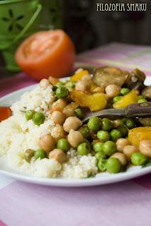 (Tagine z ciecierzycą i warzywami