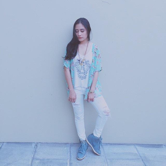Foto Terbaru dan HOT Prilly Latuconsina
