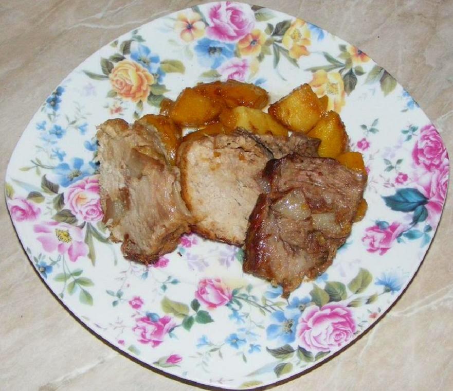 retete si preparate culinare friptura din ceafa de porc la cuptor in sos de vin, retete de mancare, retete de craciun, preparate din carne de porc, retete cu carne de porc, ceafa de porc la cuptor, retete culinare,